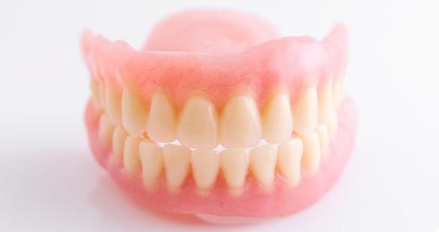 入れ歯・義歯